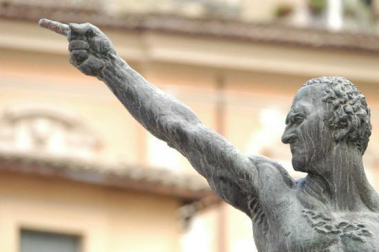 Monumento a Marco Tullio Cicerone - Arpino - Frosinone